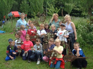 childrens willow weaving session